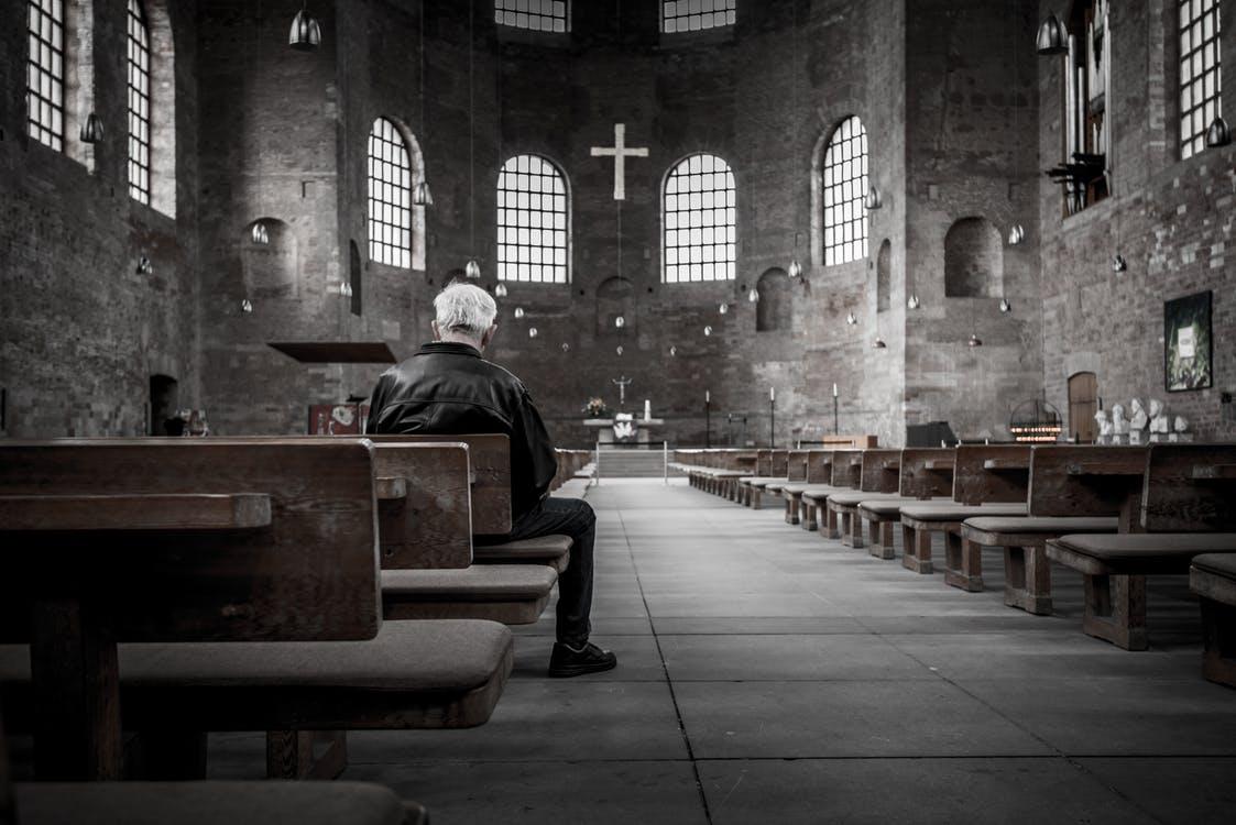 kaip vertiname religija visuomenėje
